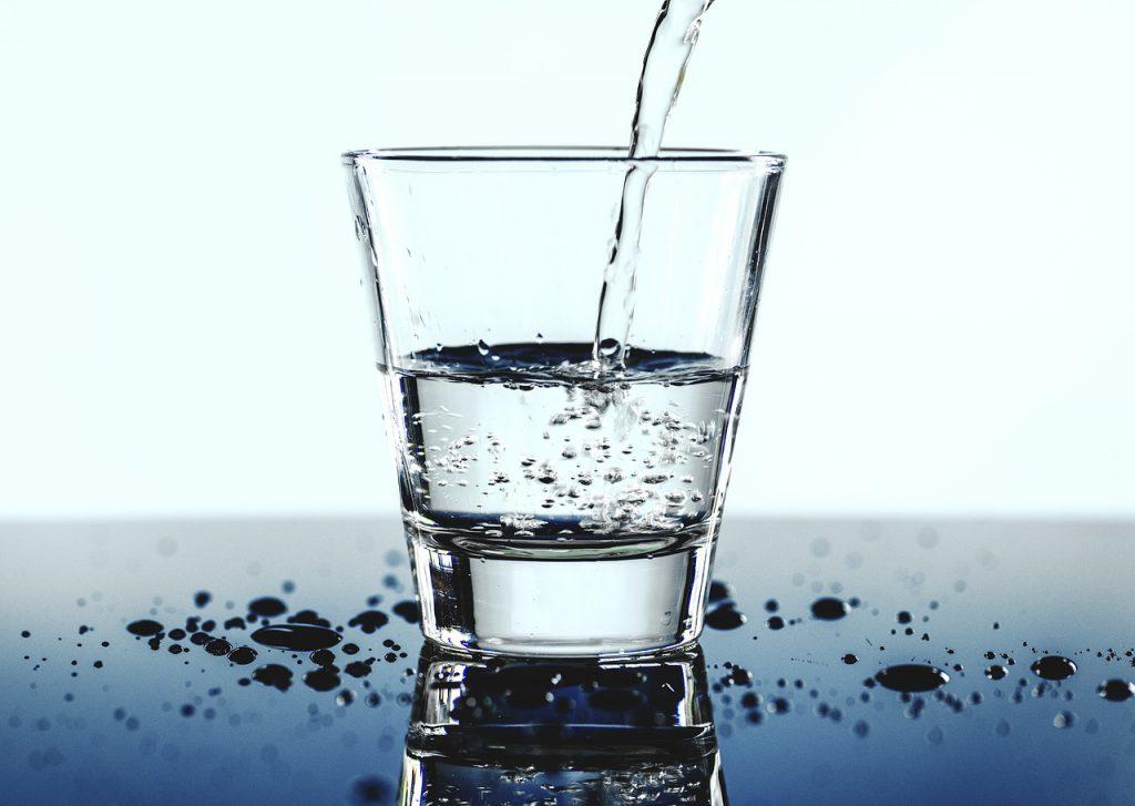 Få mer energi ved å drikke nok vann